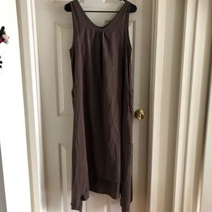 Brown flowy maxi dress (NWOT)